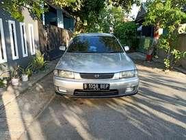 Dijual mobil sedan Mazda familia 323 th 1997