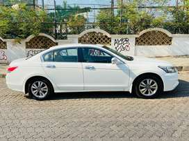 Honda Accord 2.4 Elegance Manual, 2012, Petrol