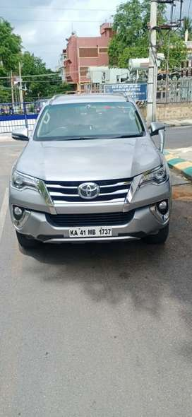 Toyota Fortuner 4x4 Manual Limited Edition, 2017, Diesel