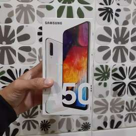 Samsung Galaxy A50 (6/128 GB) - White
