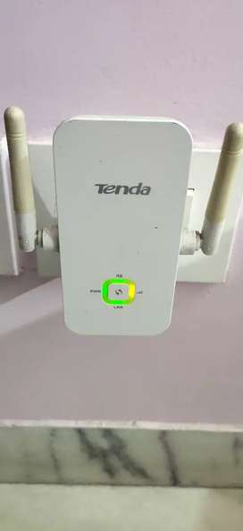 Tenda 300 Mbps WiFi repeater/signal extender A301,two antenna,LAN port