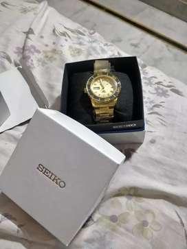 vintage Seiko 5 sports gold 23 jewels brand new