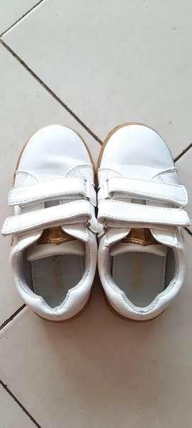 Sepatu Anak Cool Kids Warna Putih