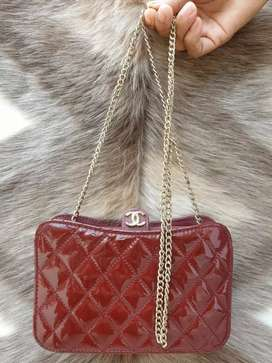 Tas import eks CHANEL made in Italy ad no seri pattern leather maroon