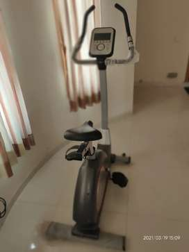 Exercise magnetic cycle/ bike with heart rate monitor