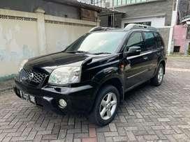 Nissan Xtrail 2.5 XT AT hitam