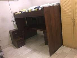Kasur tidur / ranjang tingkat (single bed) bawahnya meja belajar