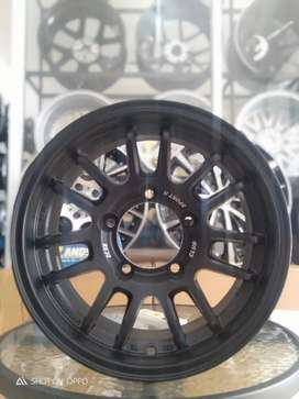 Jual velg RE30 R15x7.0 H5x139 Et+10 black