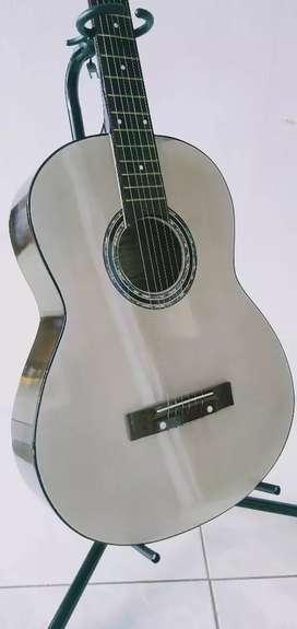 Gitar Akustik suara nyaring
