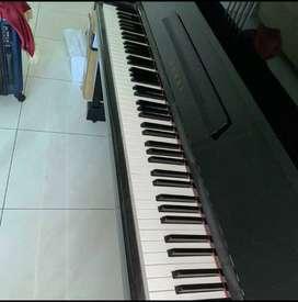Dijual cepat piano klasik merek Kawai KS1 Made In Japan..