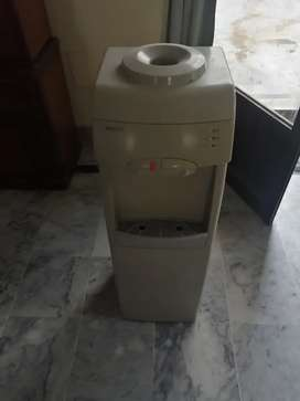 Orient water dispenser in good condition