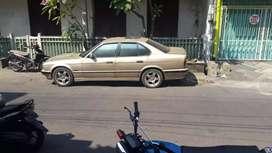 Dijual mobil bmw 520i