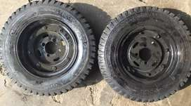 Rickshaw and chandgar tyre with rim