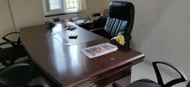 Office boss table for sale