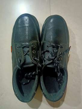 Safety Shoes (11' Number)