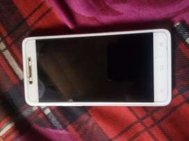 Good condition of Oppo A37f (Gold colour)