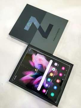 Samsung Galaxy Fold 3 (12 gb,256 gb)