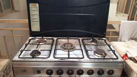 Cooking range of 5 stoves
