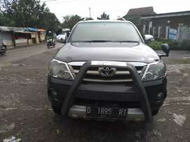 Dijual cepat Toyota Fortuner 2.5 G  Diesel MT 2007