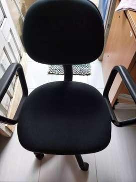 Wts kursi kantor warna hitam no minus, mulus