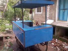 Four wheels food vechile