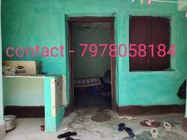 Patia single semi furnished room available for girls only