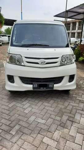 Daihatsu Luxio putih type m th 2012