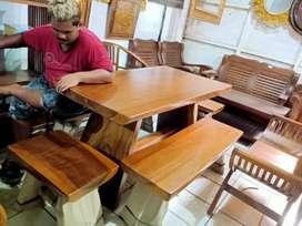 Meja makan ruang, kayu terbesi