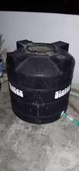 Water tanky