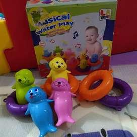 Mainan bayi untuk Mandi musical water