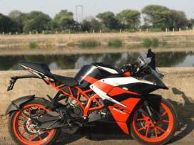 KTM RC 200 (petrol) best bike 2019 model well maintained bike