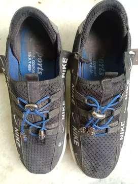 Nike shoes (8  no)