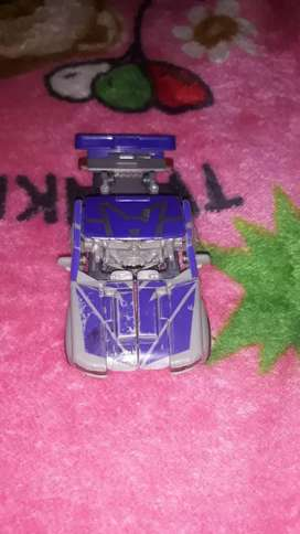 Toys robot can change into car