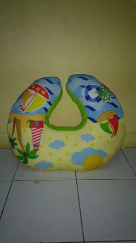 Bantal menyusuin like new