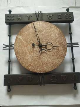 Jam dinding Antik unik JungHans