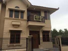 Dijual rumah 2 lantai posisi hook strategis batam center
