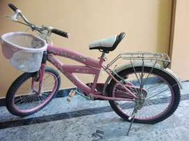 Barbie girl cycle,medium condition