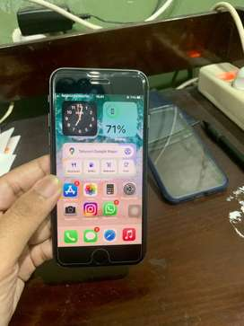 iphone 8 64GB..