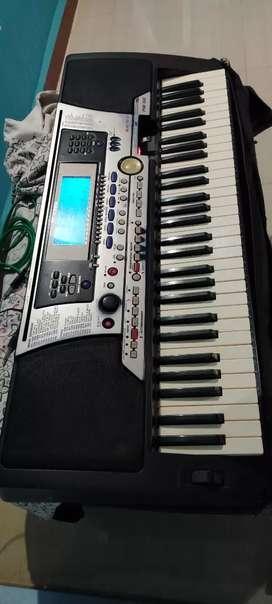 Yamaha psr 550