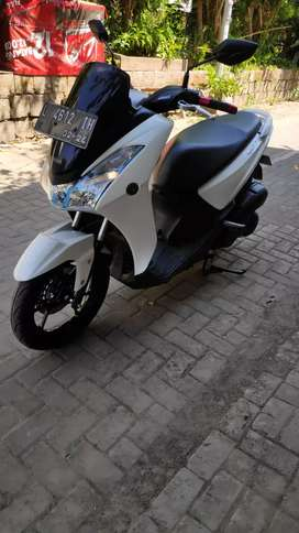 Yamaha LEXI 2018 Putih