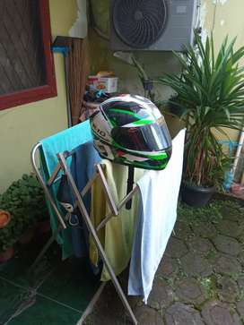 Kyt R10 White green