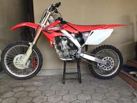 CRF 250 spesial engine