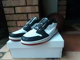 Air Jordan 1 Low Slip On Bred Toe