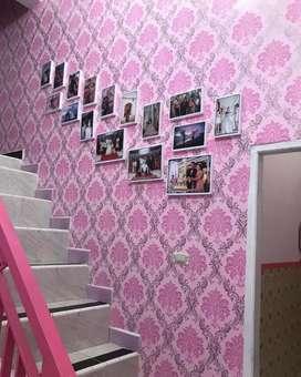 Yuk hiasi dinding rumahnya dengan Wallpaper bahan terbaik kami