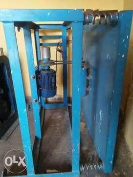 Vibrating table or cube testing machine