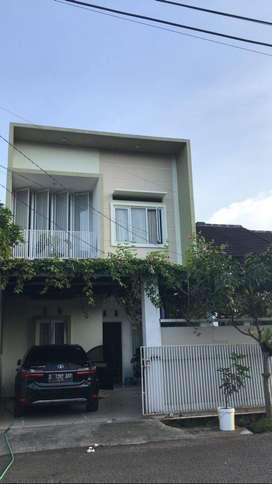 Rumah Minimalis 2 Lantai,Lokasi Strategis,Bebas Banjir Dan Jarang Ada