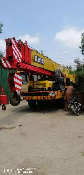 Crane on rental basis all kinds of heavy duty Crane & lifter available