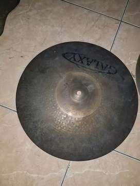 Cari drum dan cymbal aneka macam