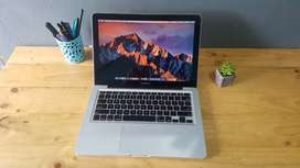 Macbook Pro 2011 RAM 8GB SSD 240GB i5 Mulus Baterai Baru