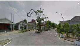 Dijual murah tanah    ada berdiri bangunan tua cocok untuk investasi i